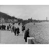 Набережная Днепра (1935-1938, в соавторстве с В.Беспалым); установили чугунную ограду, проложили широкие лестницы к воде; до войны успели построить только 1200 метров
