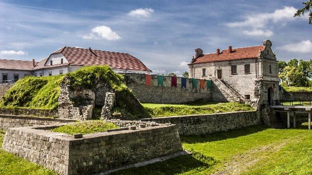 Автобусная экскурсия в Тернополь + замки Тернопольщины (2 дня)