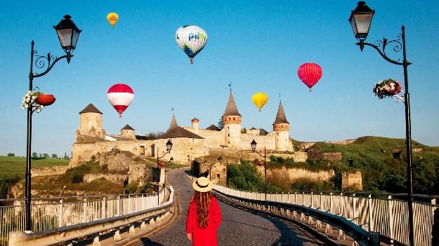 Автобусная экскурсия на фестиваль воздушных шаров в Каменец-Подольском (2 дня)