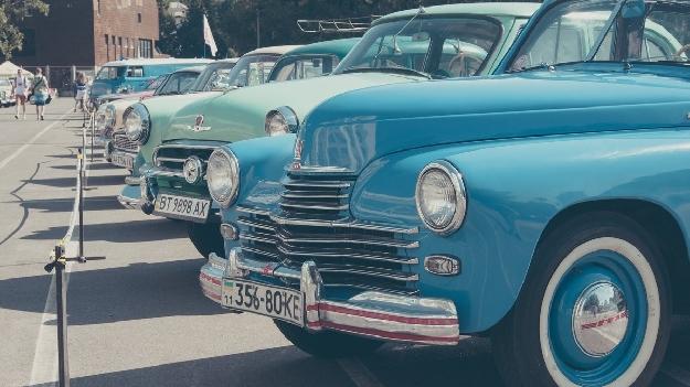Выставка ретро-машин Old Car Fest
